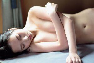 街山みほ x 篠山紀信 大反響!現役女子大生の「鮮烈な裸身」慶應義塾大学2年生